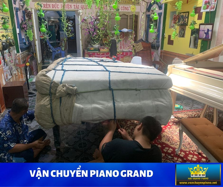 VAN-CHUYEN-GRAND-PIANO-4
